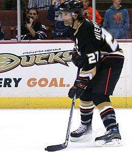 Anaheim Duck defenseman Scott Niedermayer will return to the team shortly.