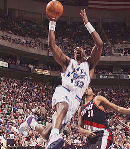 Former Utah Jazz power forward Karl Malone was the last player to score 41 for the team.
