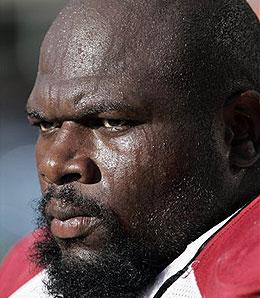 The Dallas Cowboys have added free agent OT Leonard Davis from Arizona.