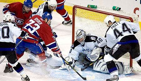 Is Johan Holmqvist the answer to the Tampa Bay Lightning's goaltender situation?