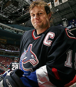 Markus Naslund is finally showing signs of life again.