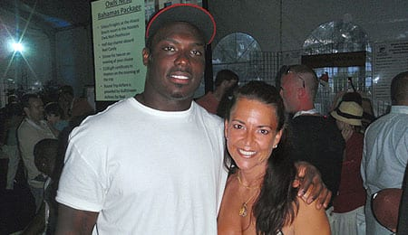 Ronnie Brown has signed with the Philadelphia Eagles.