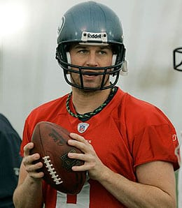 Matt Hasselbeck is getting it done for the Tennessee Titans.