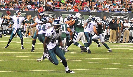 Jeremy Maclin was re-signed by the Eagles.