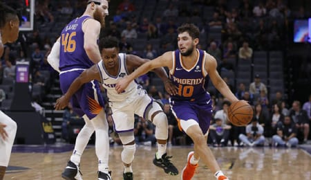 Aron Baynes will be asked to carry a bigger workload for the Phoenix Suns.